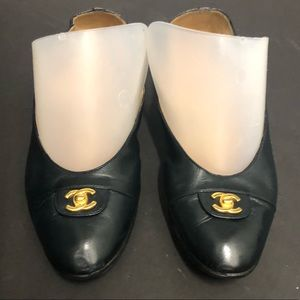 Authentic Chanel vintage turnlock ballet flats